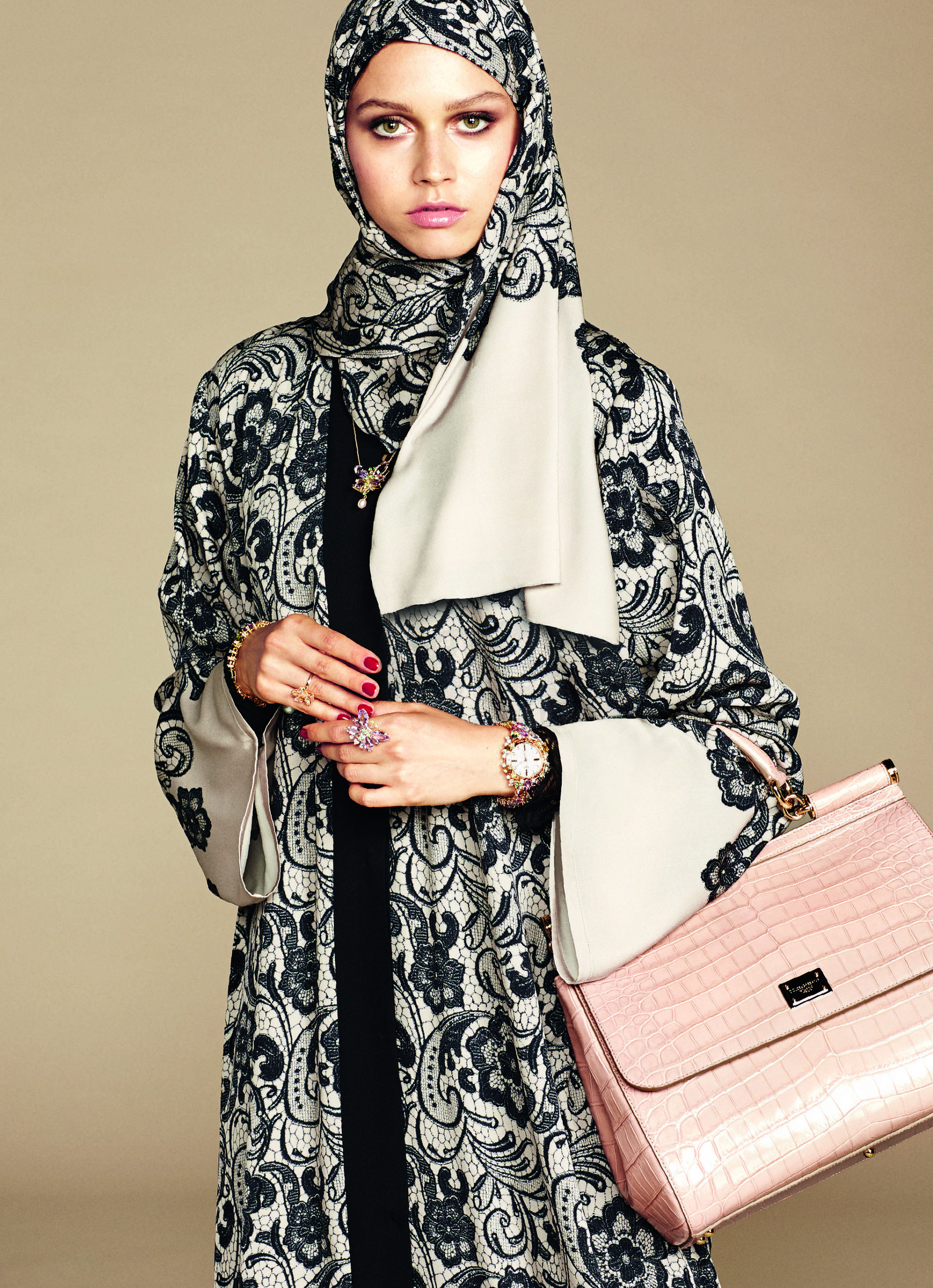 Over_Exposed_Dolce-Gabbana-Hijab-Abaya-Collection1