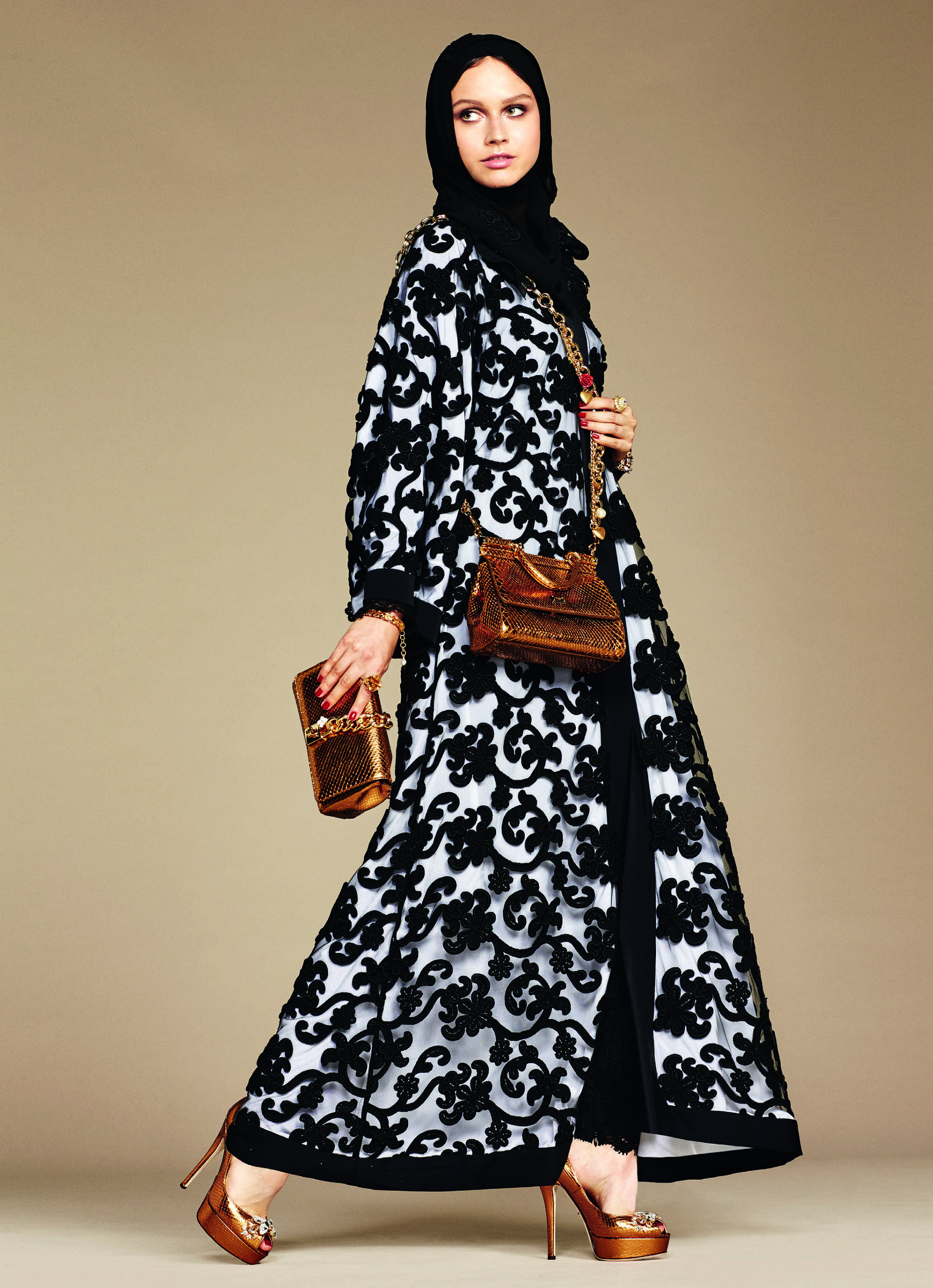 Over_Exposed_Dolce-Gabbana-Hijab-Abaya-Collection10