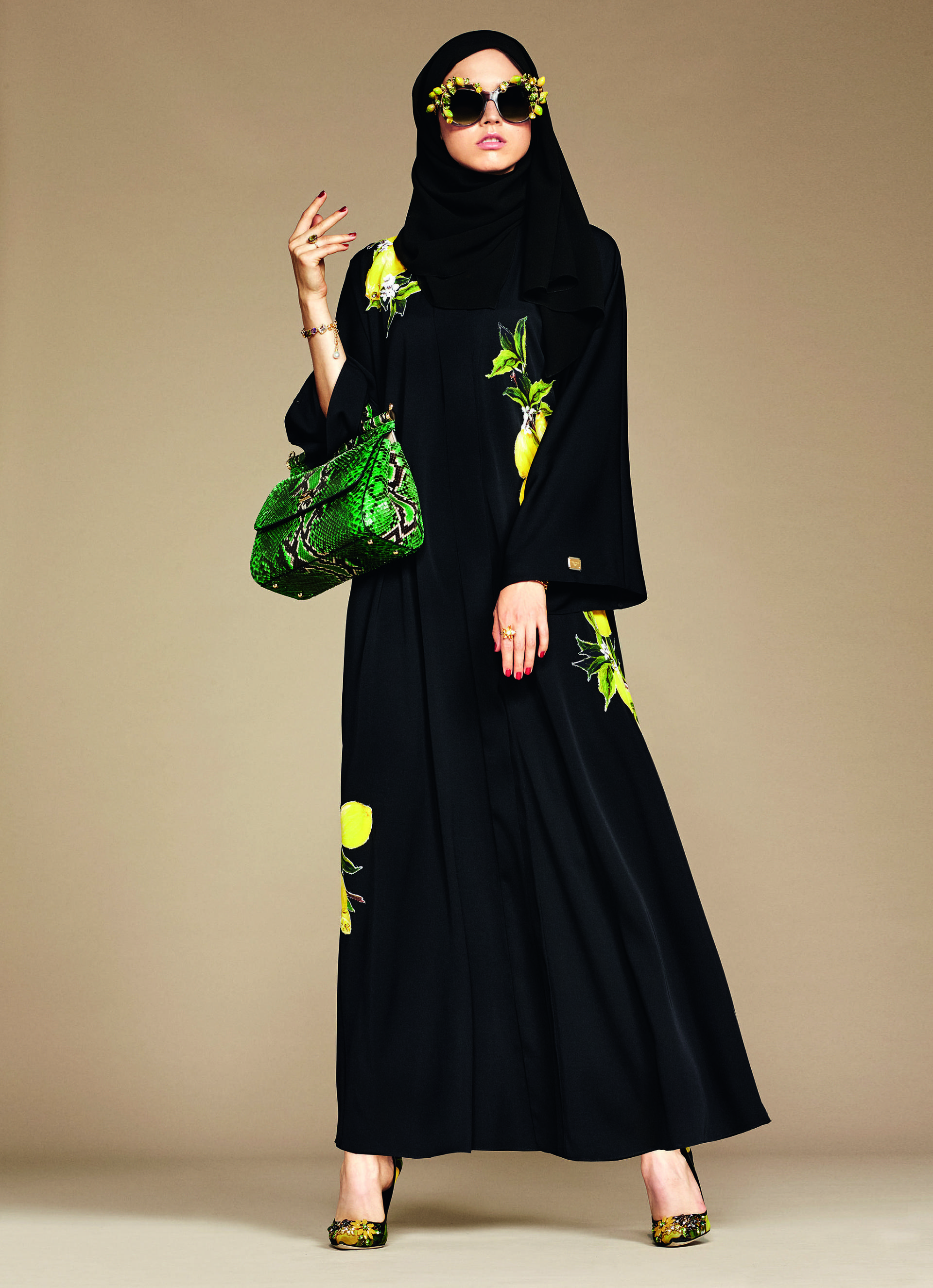 Over_Exposed_Dolce-Gabbana-Hijab-Abaya-Collection14