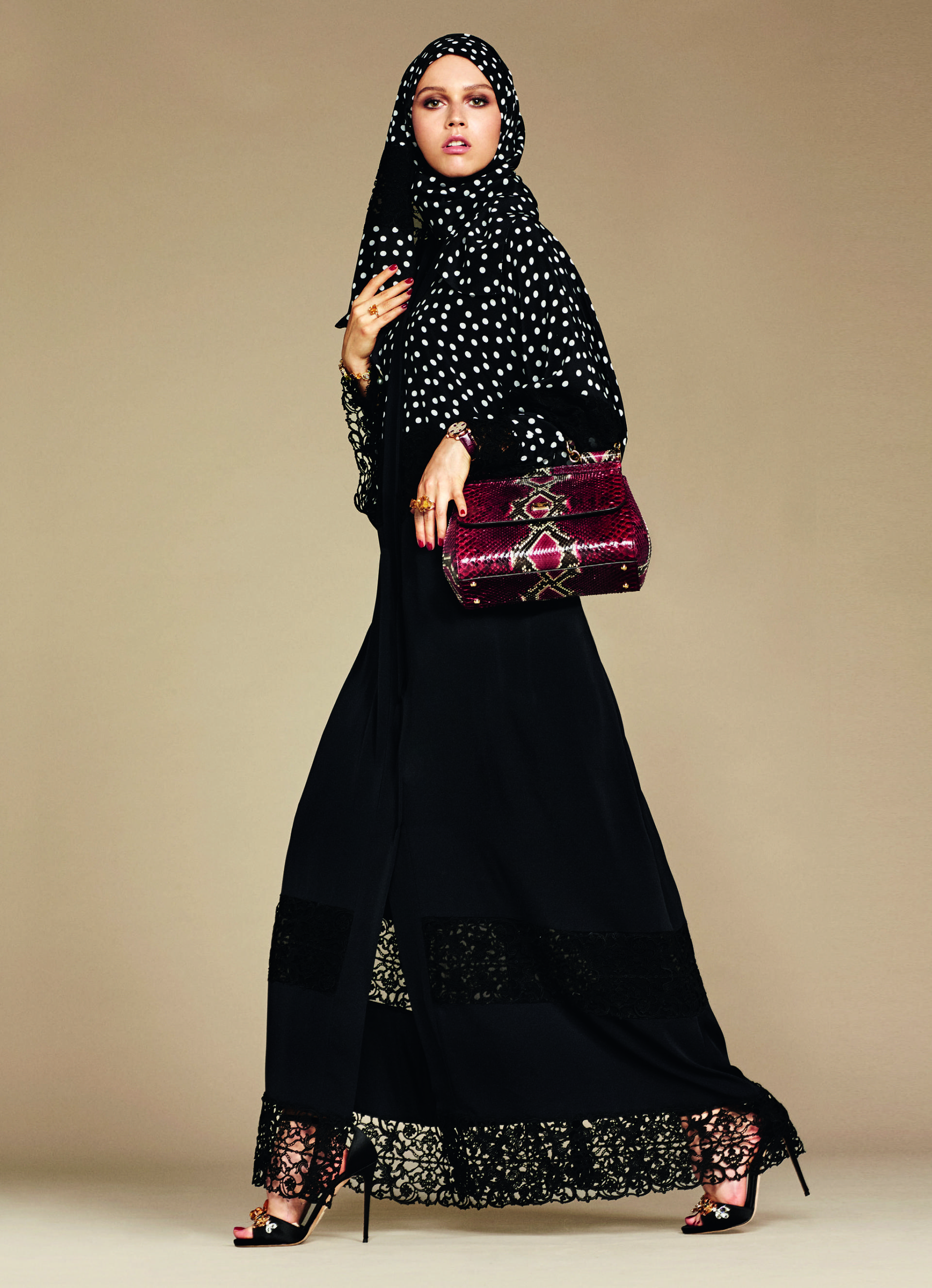 Over_Exposed_Dolce-Gabbana-Hijab-Abaya-Collection19