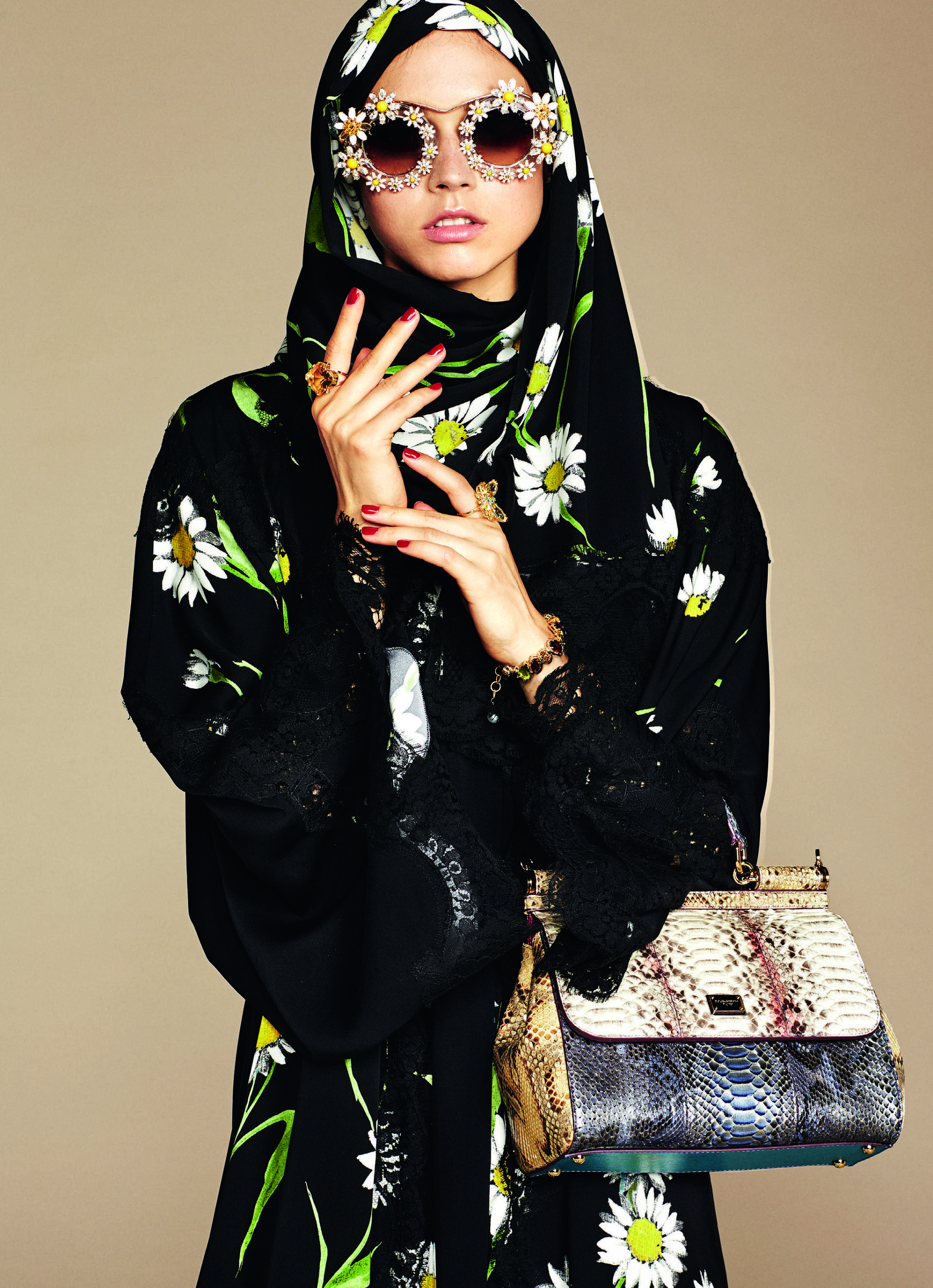 Over_Exposed_Dolce-Gabbana-Hijab-Abaya-Collection3
