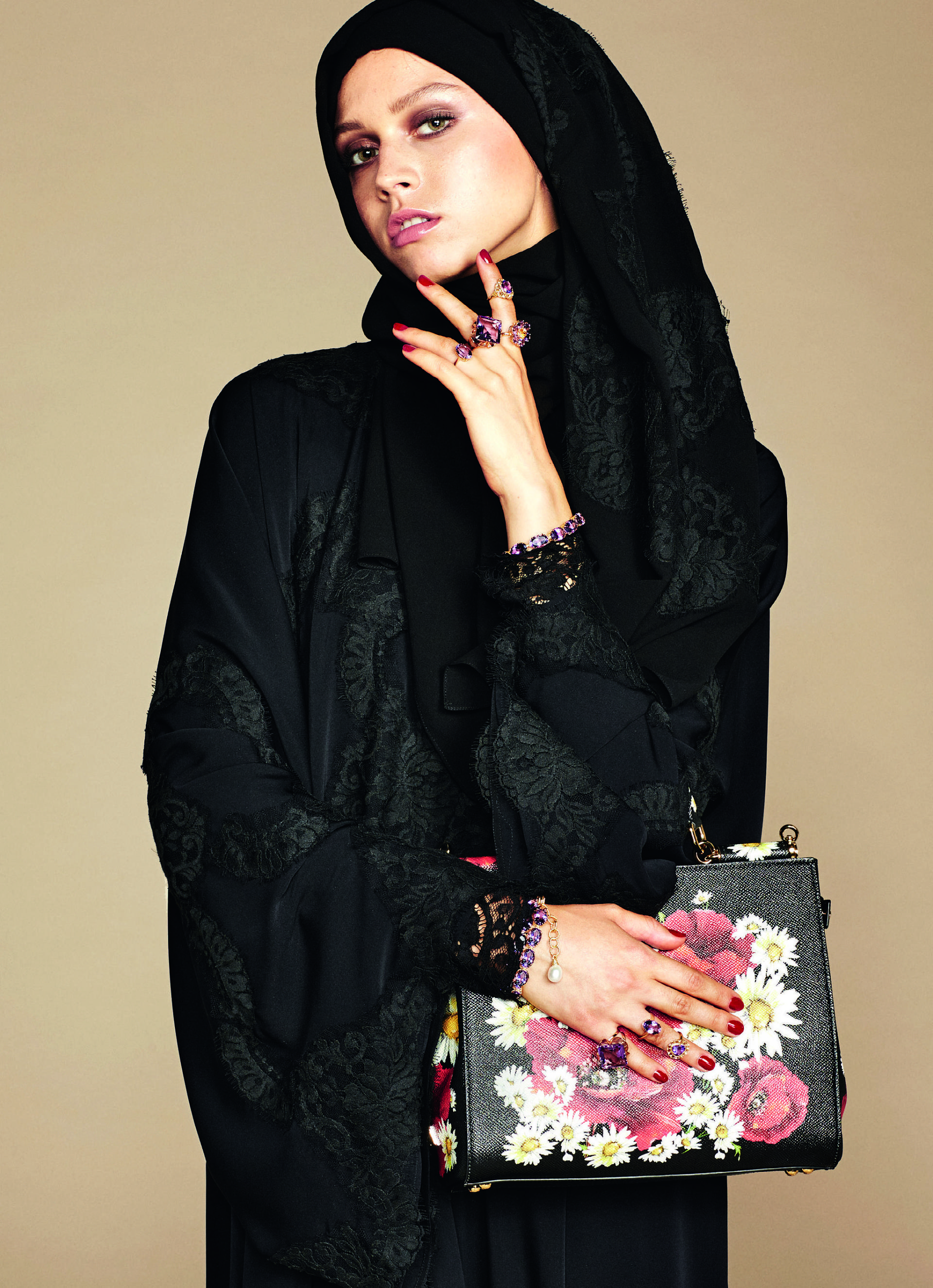 Over_Exposed_Dolce-Gabbana-Hijab-Abaya-Collection4