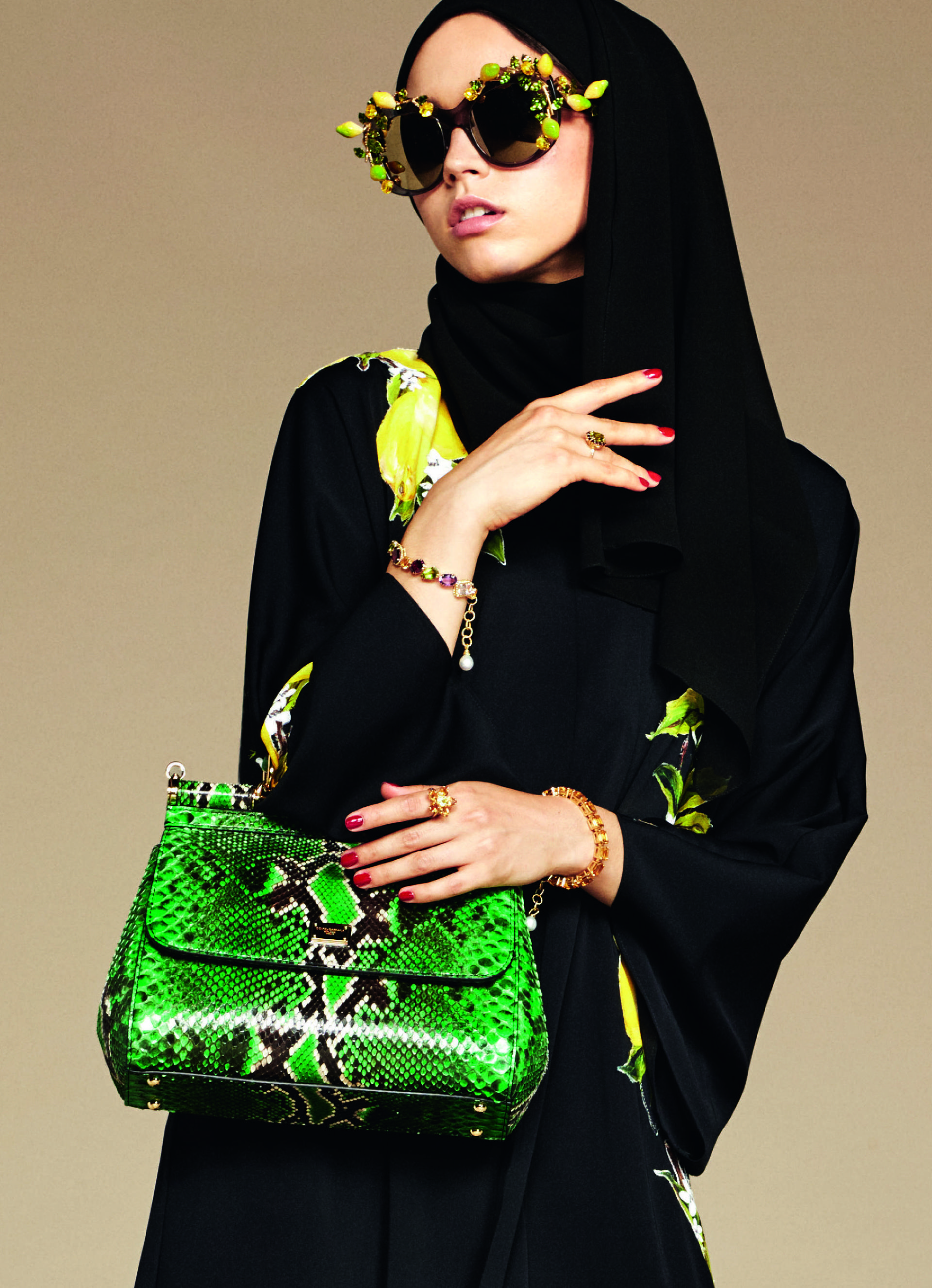 Over_Exposed_Dolce-Gabbana-Hijab-Abaya-Collection5