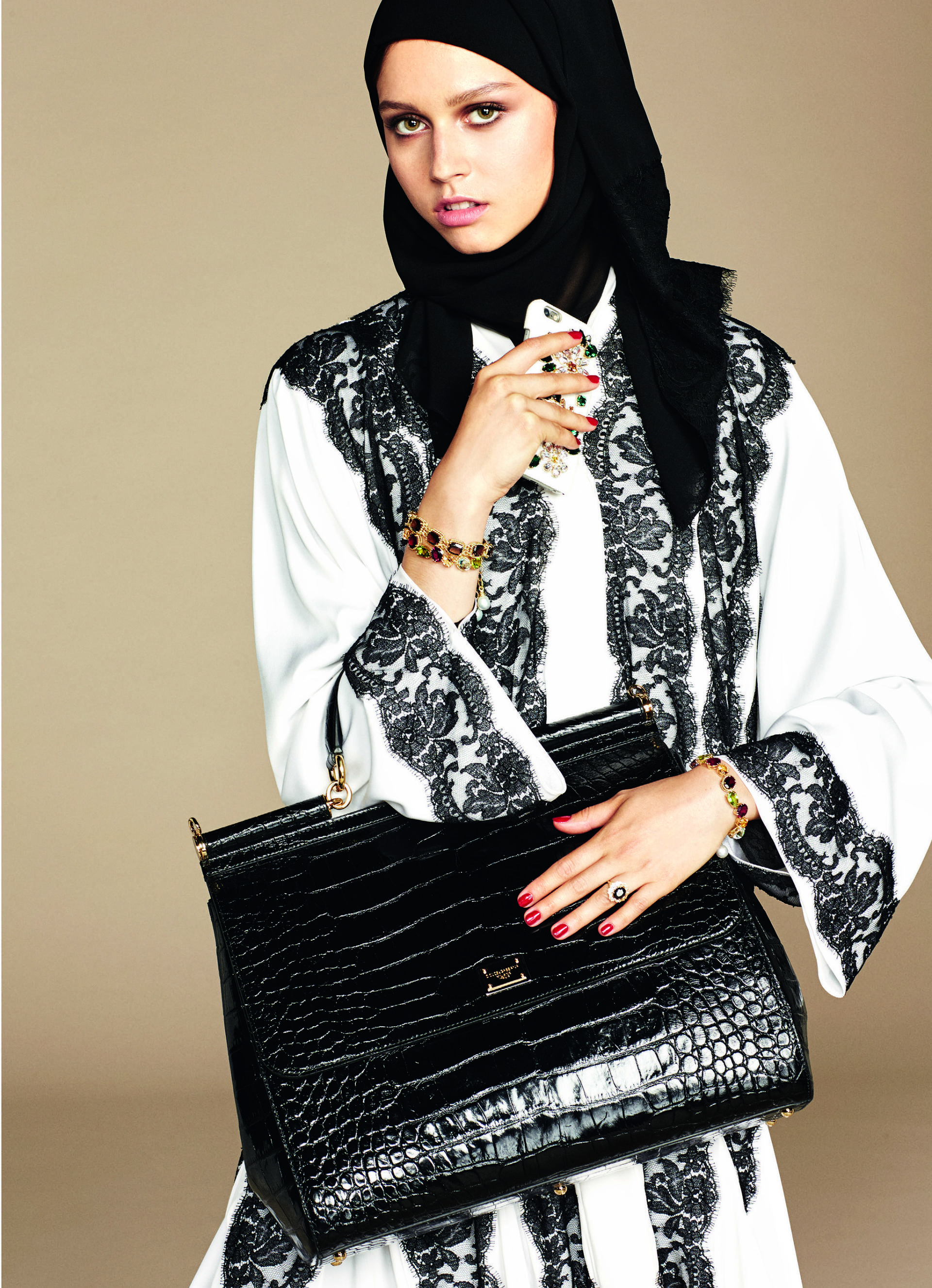 Over_Exposed_Dolce-Gabbana-Hijab-Abaya-Collection6
