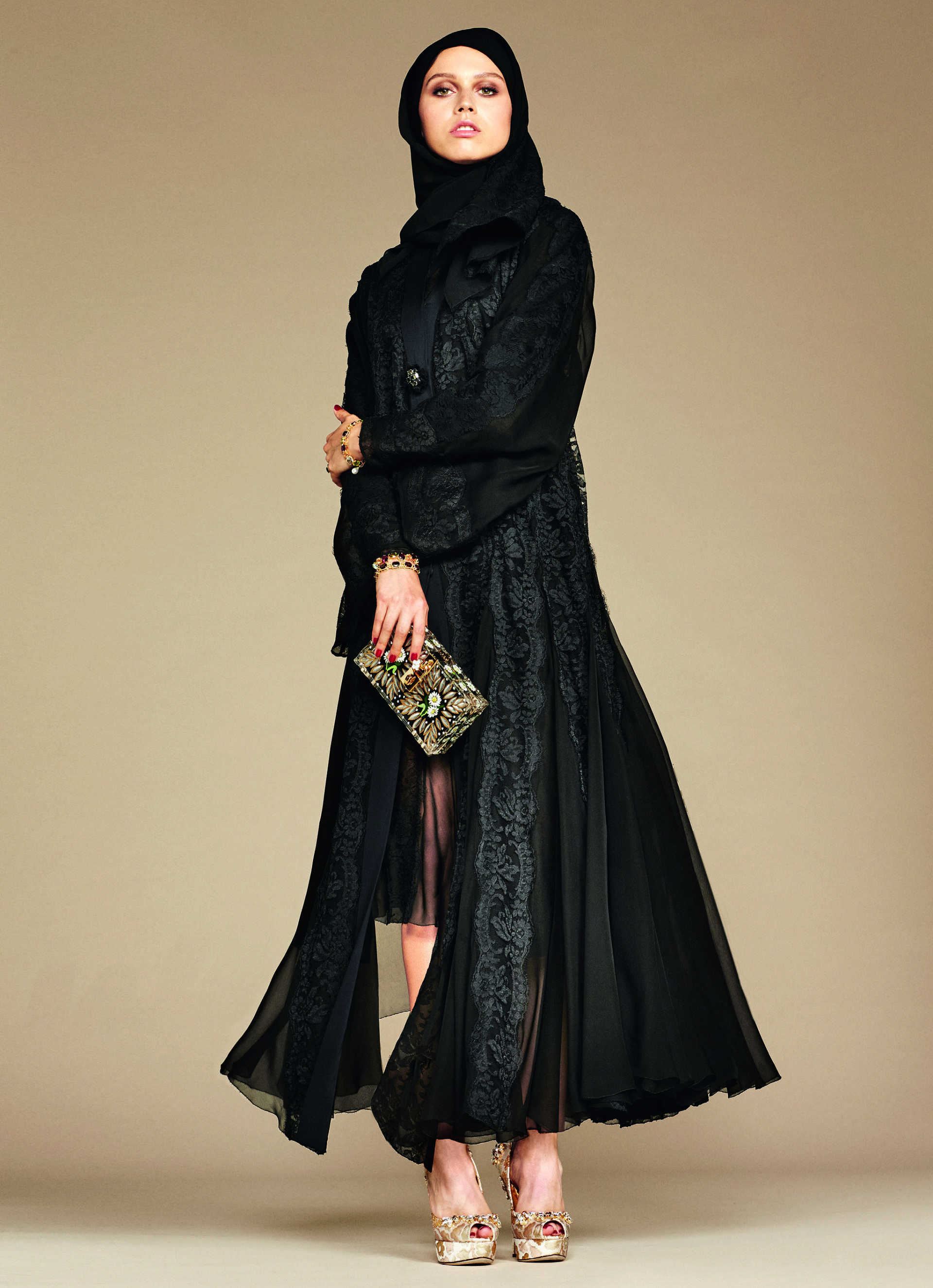 Over_Exposed_Dolce-Gabbana-Hijab-Abaya-Collection7