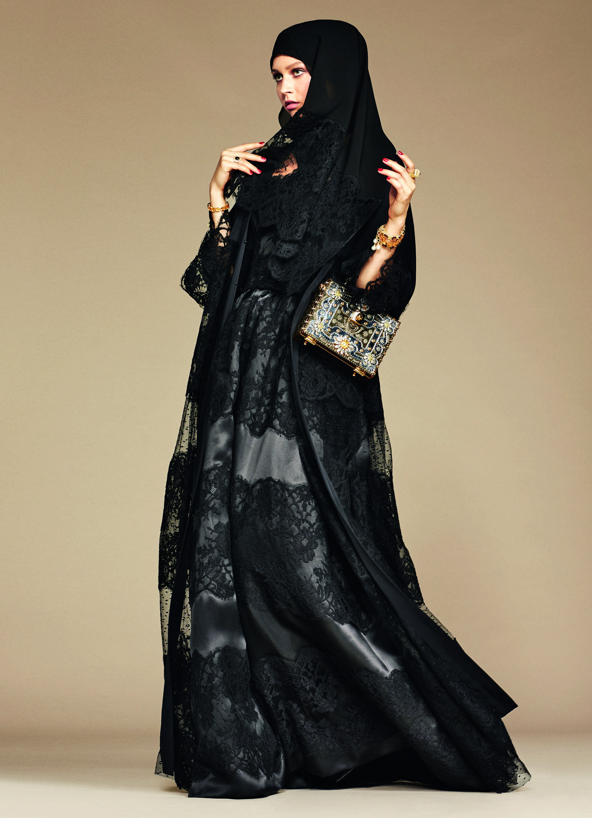 Over_Exposed_Dolce-Gabbana-Hijab-Abaya-Collection8