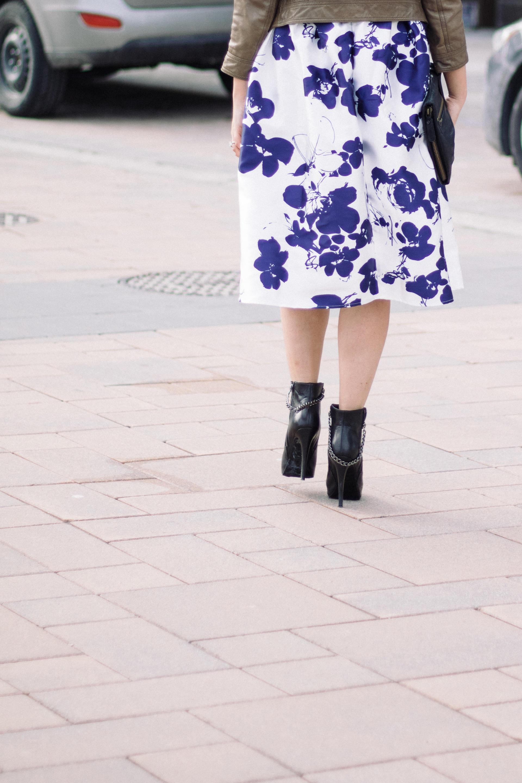 Over_Exposed_Three_Ways_To_Wear_Midi_Skirt_7538