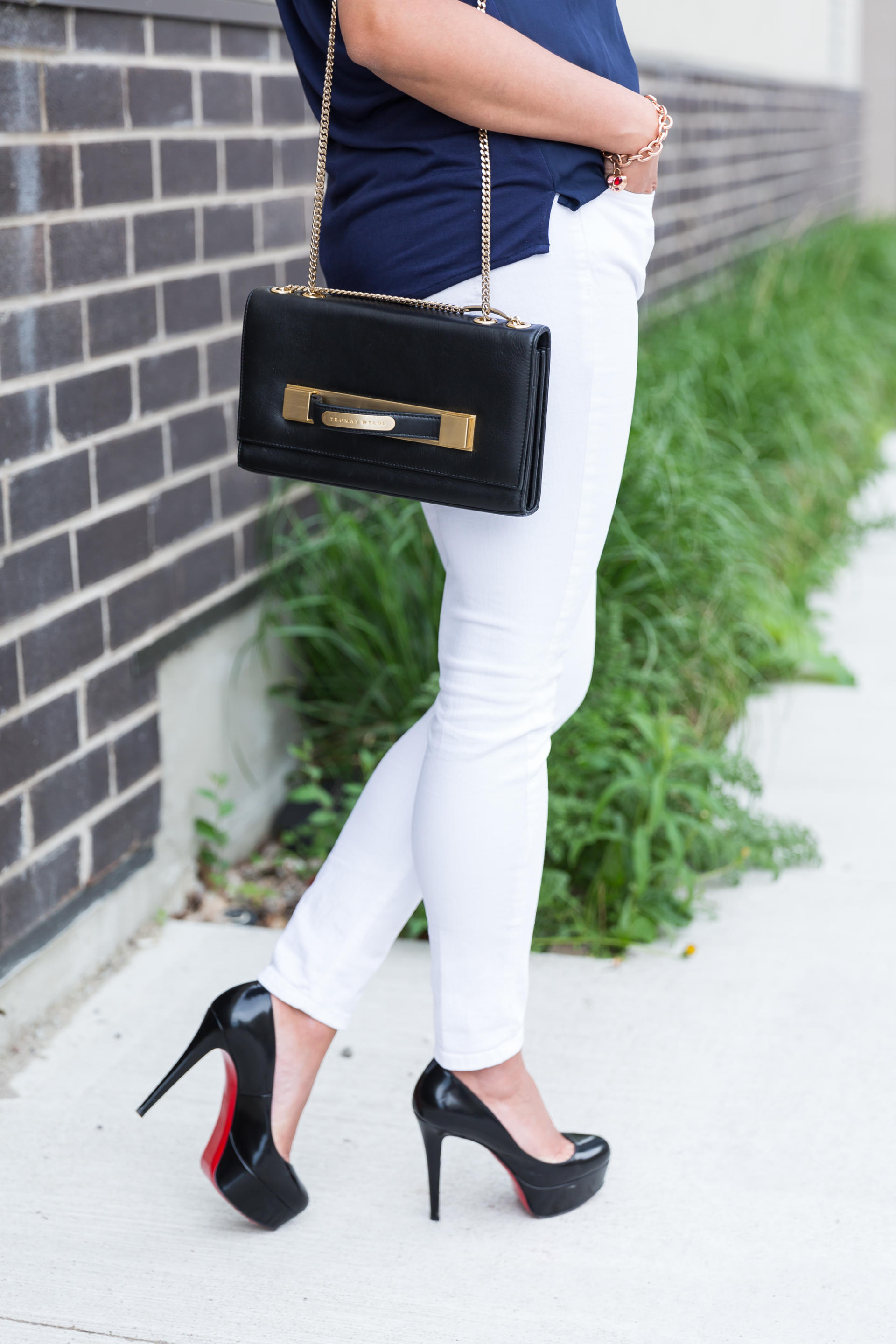 OverExposed_Three_Ways_To_Wear_White_Jeans_44