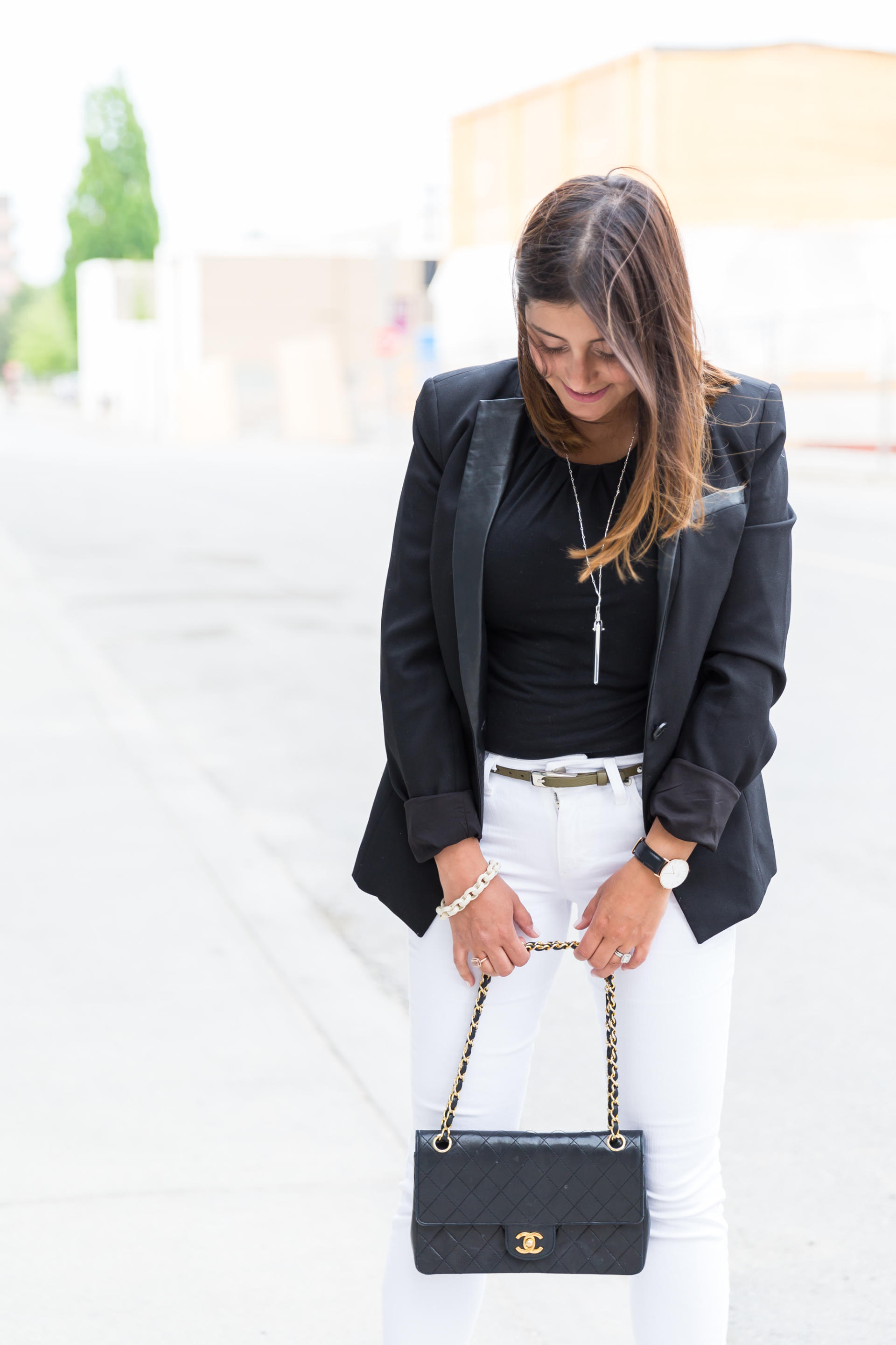 OverExposed_Three_Ways_To_Wear_White_Jeans_49