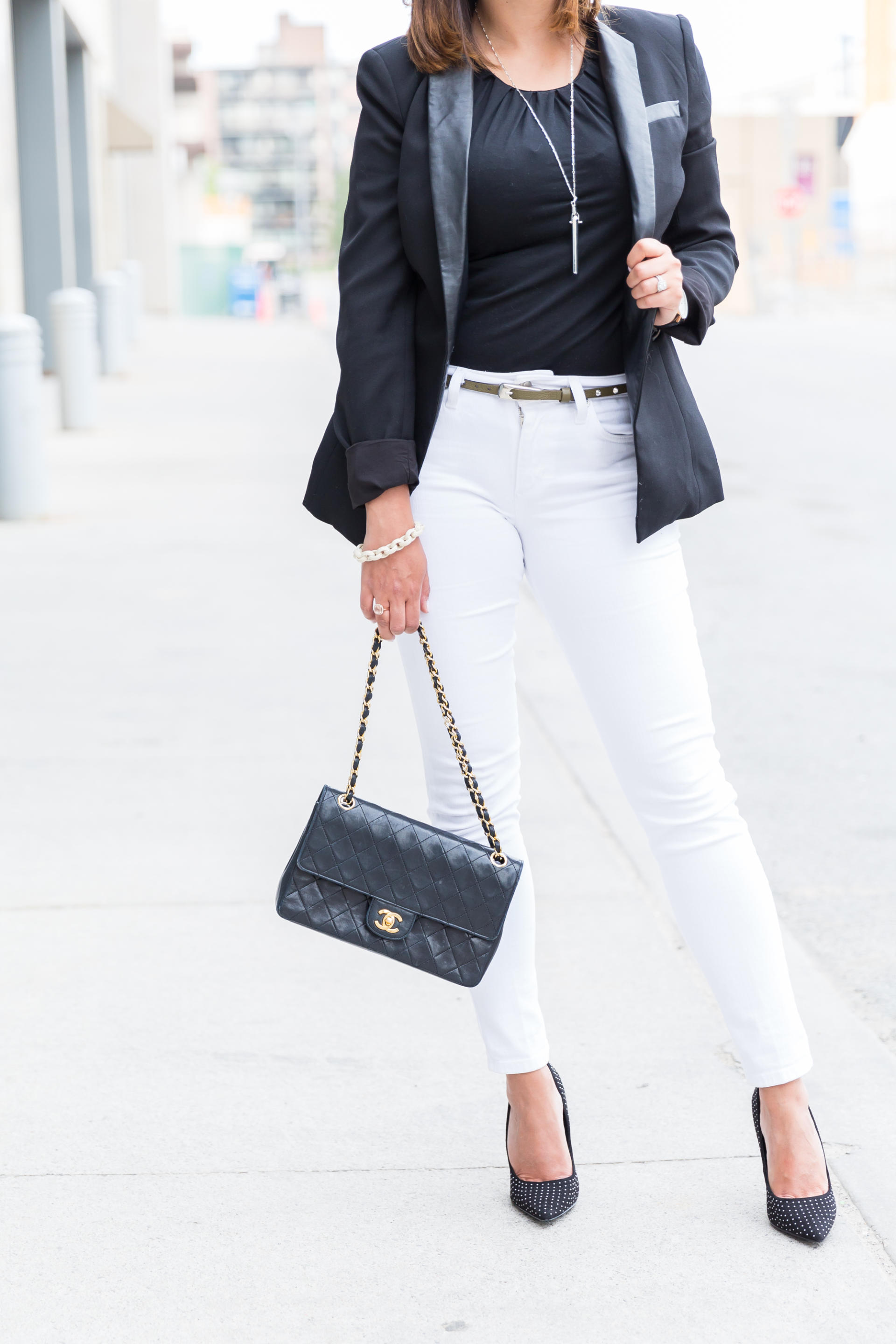 OverExposed_Three_Ways_To_Wear_White_Jeans_50
