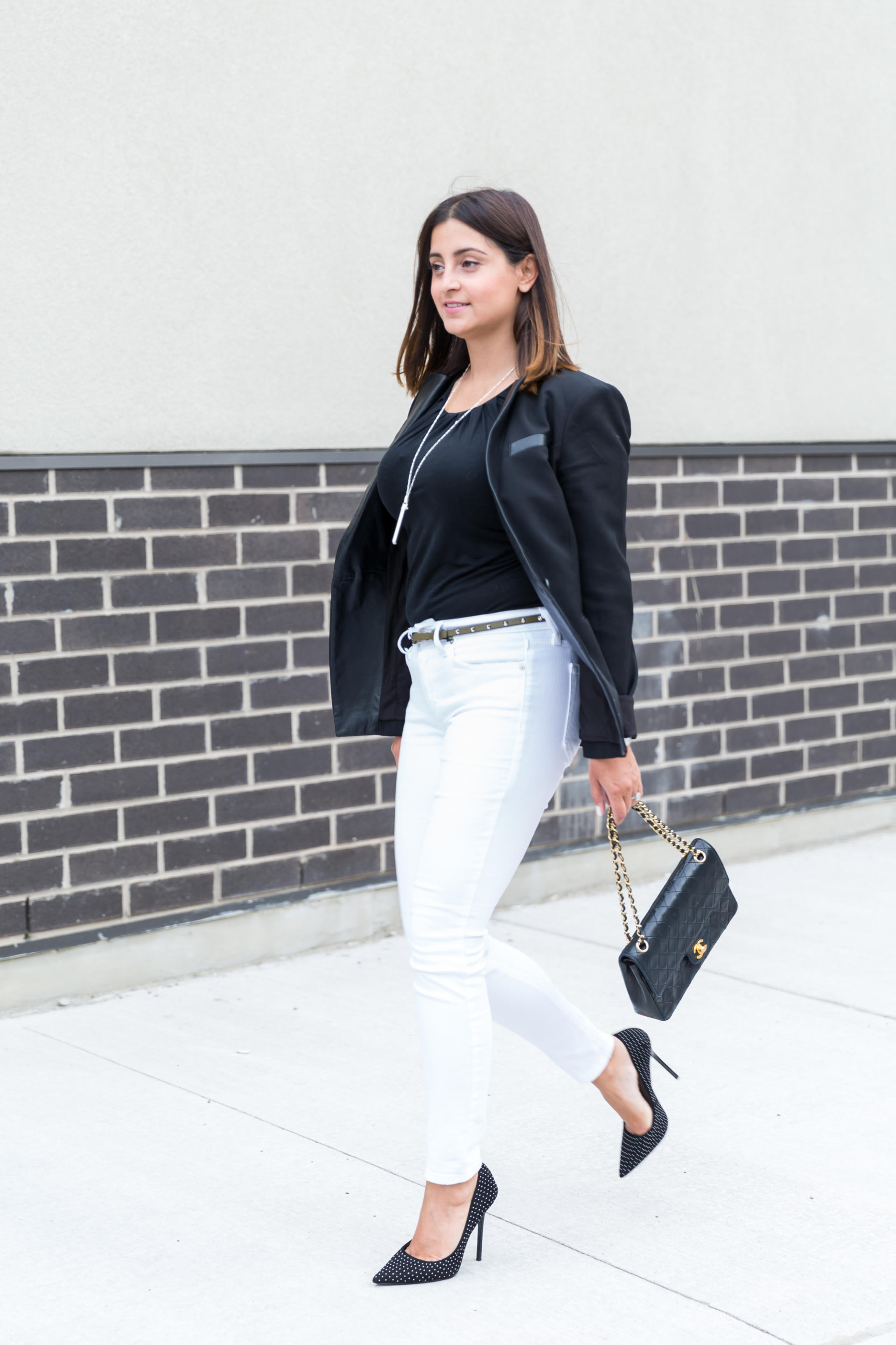 OverExposed_Three_Ways_To_Wear_White_Jeans_58